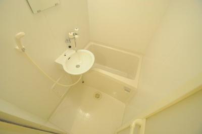 浴室乾燥機付きで雨の日もお洗濯バッチリ!