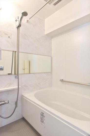 雨の日のお洗濯に便利な浴室乾燥機・追焚機能 標準装備です