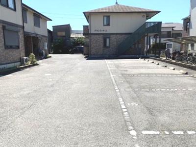 【駐車場】グランミールA棟