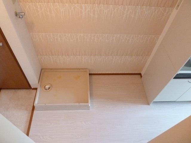 その横には冷蔵庫のスペースがあります。