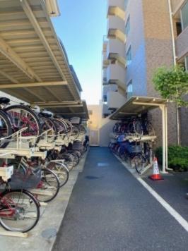 シーズガーデン瑞江の駐輪場です。
