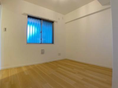シーズガーデン瑞江の洋室です。