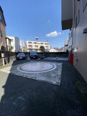 駐車場 空無 月額25,000~27,000円