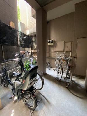 駐輪場 有(1住戸1台:無償) バイク置き場 空有 月額3,000円