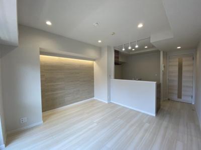 LDK約8.4帖 K約3.2帖 南西向きリビング 対面式キッチン 床暖房付き