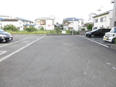 【駐車場】リバーサイド千里丘