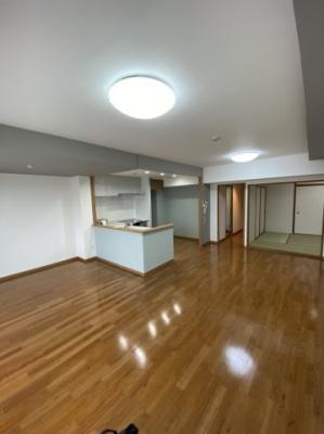 【居間・リビング】モア・クレストマリンシティ金沢文庫C棟