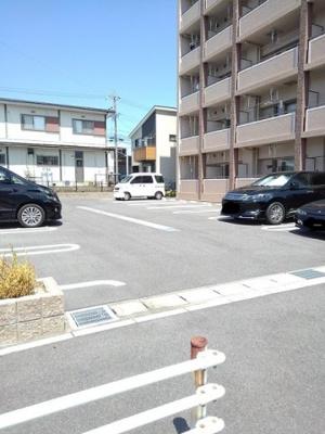 【駐車場】サンルミエール