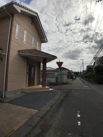 【前面道路含む現地写真】つくば市山中 中古戸建