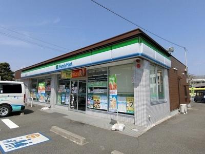 ファミリーマート 揖斐池田町店まで1300m