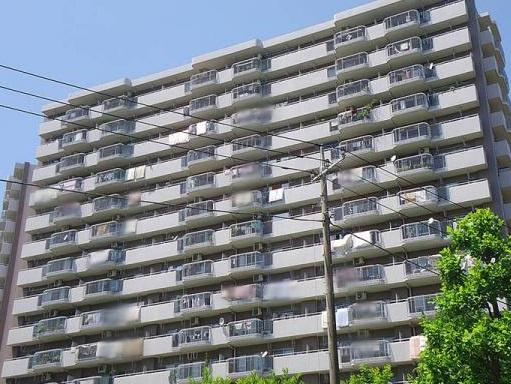 5階部分の南東角部屋のため陽当り・眺望・通風良好 敷地内に公園や緑地が点在する緑豊かな住環境 安心のアフターサービス保証付き 住宅ローン減税適合物件
