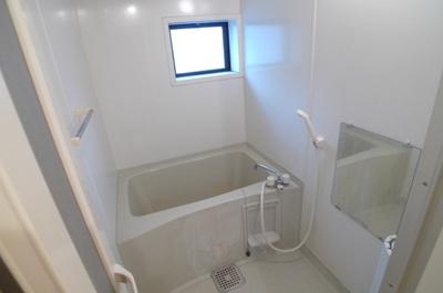 【浴室】カーサクレール B棟