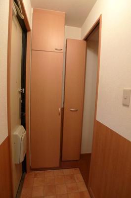 【玄関】カーサクレール B棟