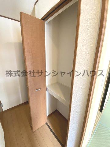 ★収納充実住宅★ 生活する為の絶妙な箇所にある1階廊下の収納です。