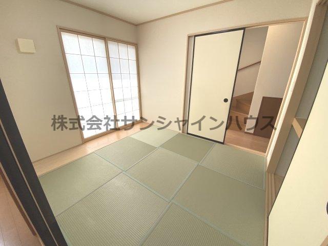 和室約5.2帖、障子、畳・・・ゆっくりと寛げる空間です!