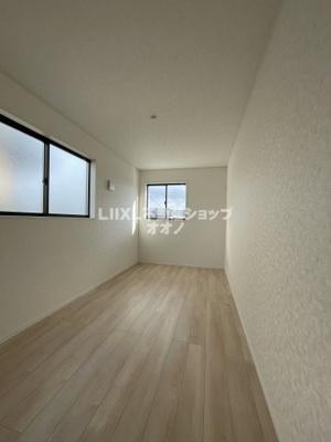 【洋室】羽生市西5丁目 新築一戸建て全1棟