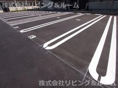 【駐車場】ラ・ドルチェヴィータ A棟