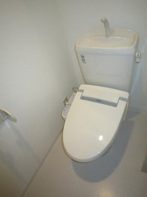 「温水洗浄便座付きのトイレ」