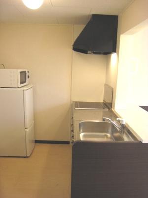 洗濯機付。独立洗面台です