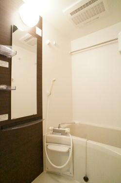 【浴室】リブリゆずり葉(リブリユズリハ)