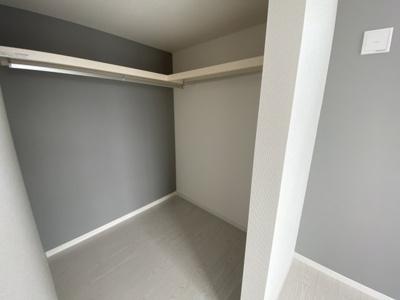 (同仕様写真)収納豊富な間取りです!2階居室にはウォークインクローゼット確保!居住空間を広々と活用できます!