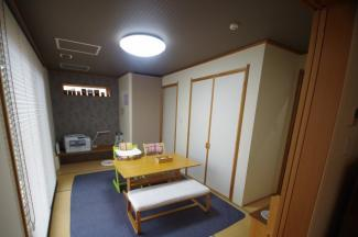 リビング横和室約6帖、襖を開ければ広く使えます