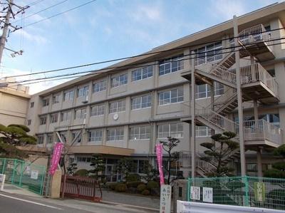 加茂中学校まで1000m