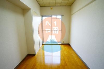 綺麗なお部屋ですね。