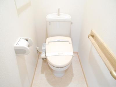 B201 温水洗浄暖房便座