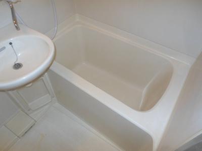 【浴室】アドウェル三軒茶屋B棟 ペット相談可 駅近 バストイレ別 室内洗濯機置場