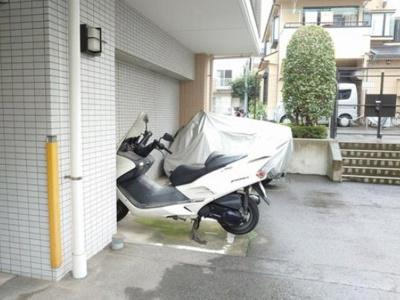 センシア山手大塚のバイク置き場です。
