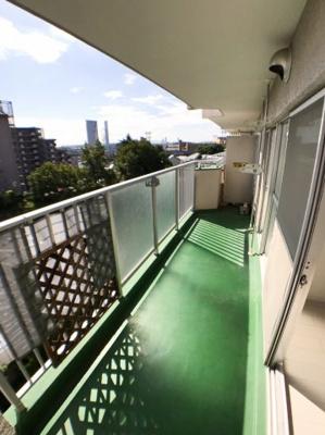 バルコニーの写真です♪ 8階なので眺望が良いですよ♪