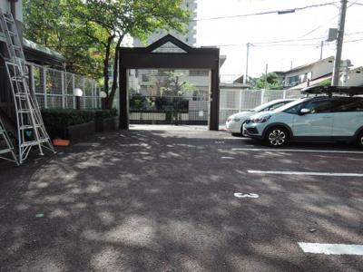【駐車場】茨木メディカルビル