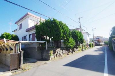 南海本線「鳥取ノ荘」駅、徒歩約8分。