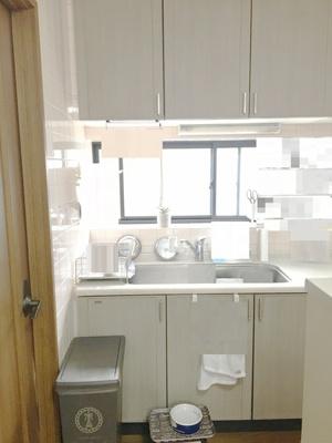 開放感のある明るいキッチン