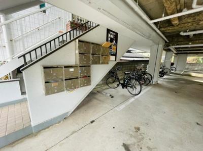 ポスト・駐輪場
