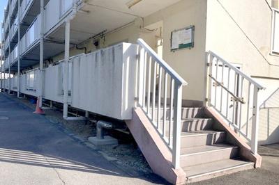 【エントランス】ビレッジハウス高花平1号棟