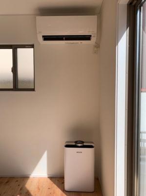 エアコン・空気清浄機付きです♪ 空気洗浄機は「HESTA」なのでスマホ連動です!