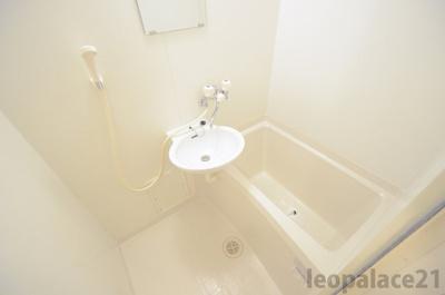 【浴室】レオパレス楠見中