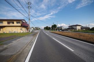 南側道路29.7m
