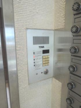 【セキュリティ】プライムアーバン三軒茶屋Ⅲ バス停すぐ オートロック 駐輪場 室内洗濯機置場