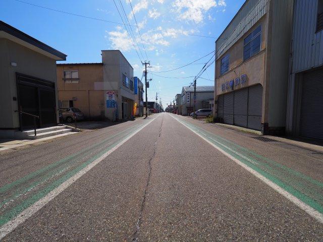 【周辺】解体更地渡し物件・大仙市大曲栄町 の土地物件 大曲小学校まで400m・大曲高校350m