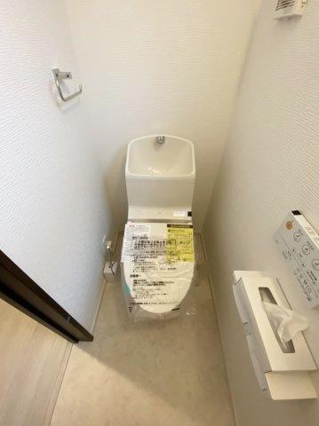 トイレは1階・2階にございます 温水洗浄暖房便座機能付