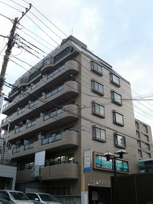 川崎駅西口から徒歩7分の立地です。