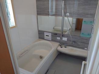 お風呂・洗面等の水回りは2階に集結しているので家事導線もスムーズです。