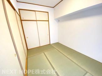 和室6帖です♪足を伸ばして寛げる居室です!お客様部屋として・小さなお子様の遊びスペースとして色々活躍してくれる居室です(^^)