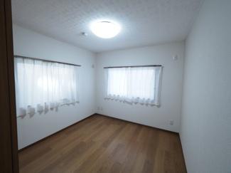 住む人のこだわりを活かすゆとりある洋室。 令和3年9月28日撮影