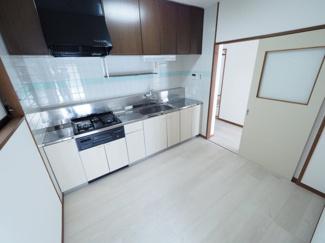 キッチンもゆとりある広さです♪ 令和3年9月28日撮影