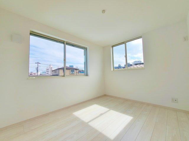 3階洋室5.3帖 コンパクトながらもプライベート空間充実 広さもしっかり確保いたしました