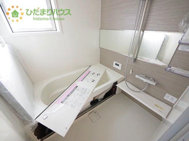 浴室乾燥機付きの1坪タイプのお風呂(*'▽')